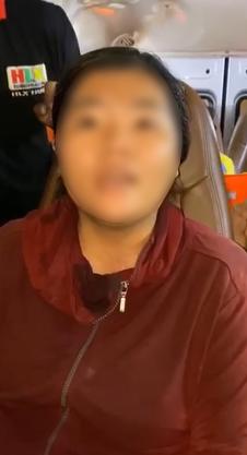 """Thủy Tiên bức xúc quyết đòi lại số tiền từ thiện trao cho bà con vùng lũ bị một người phụ nữ """"ăn chặn"""" - Ảnh 3."""