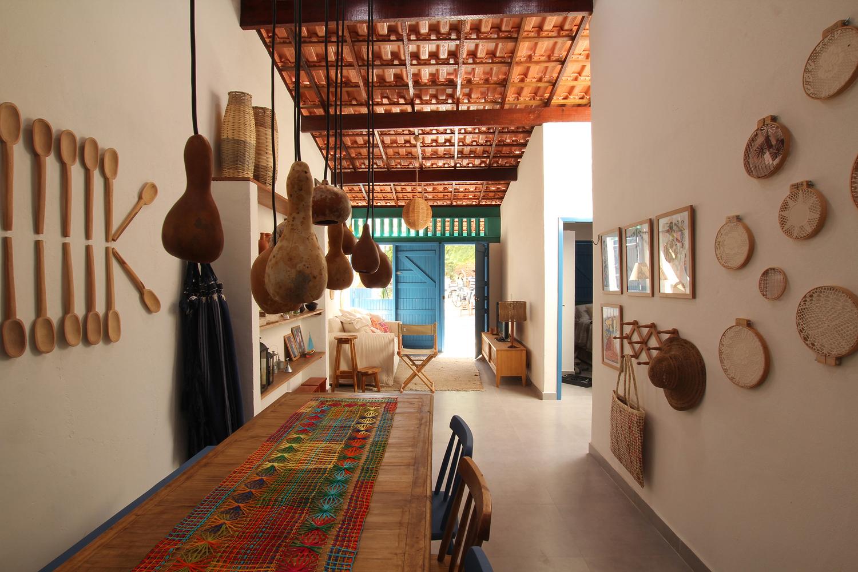 Cải tạo căn nhà cấp 4 hoang tàn cũ nát thành không gian màu xanh biển ấm cúng với ánh sáng tự nhiên ngập tràn - Ảnh 4.