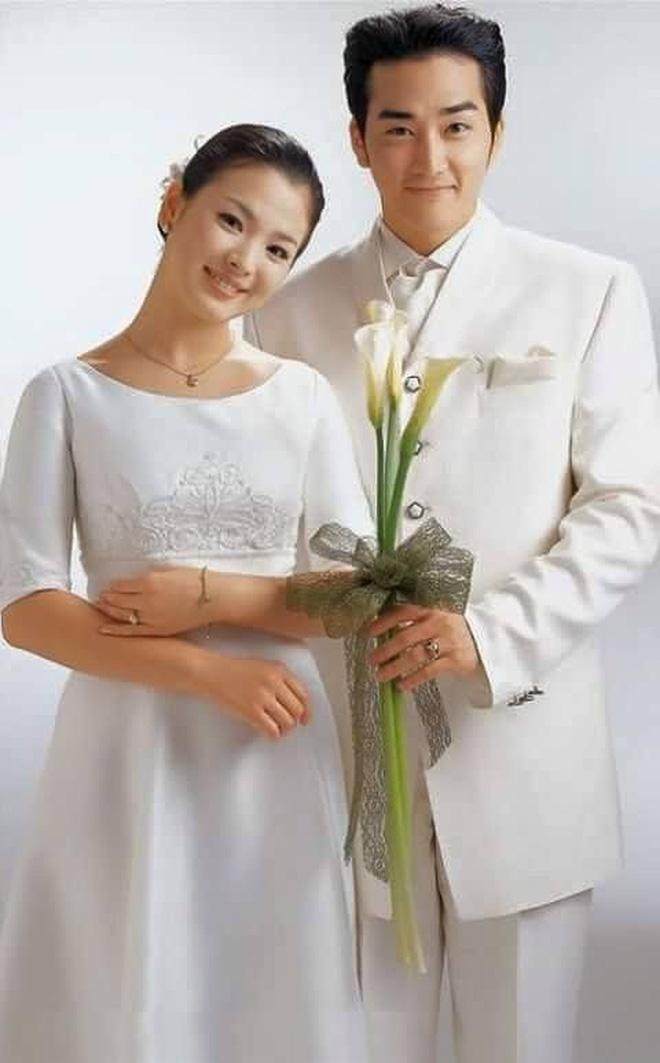 Loạt ảnh hiếm hoi thời Song Hye Kyo nặng 70kg: Vóc dáng mũm mĩm, makeup và tóc tai còn dừ hơn cả hiện tại - Ảnh 3.