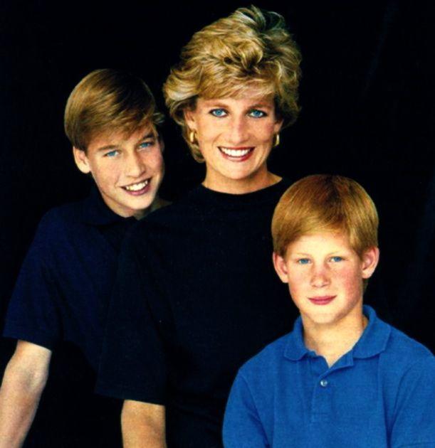 Điều ít biết về hai món đồ Công nương Diana nắm chặt trong tay sau khi trút hơi thở cuối cùng khiến nhiều người ám ảnh cho đến tận bây giờ - Ảnh 7.