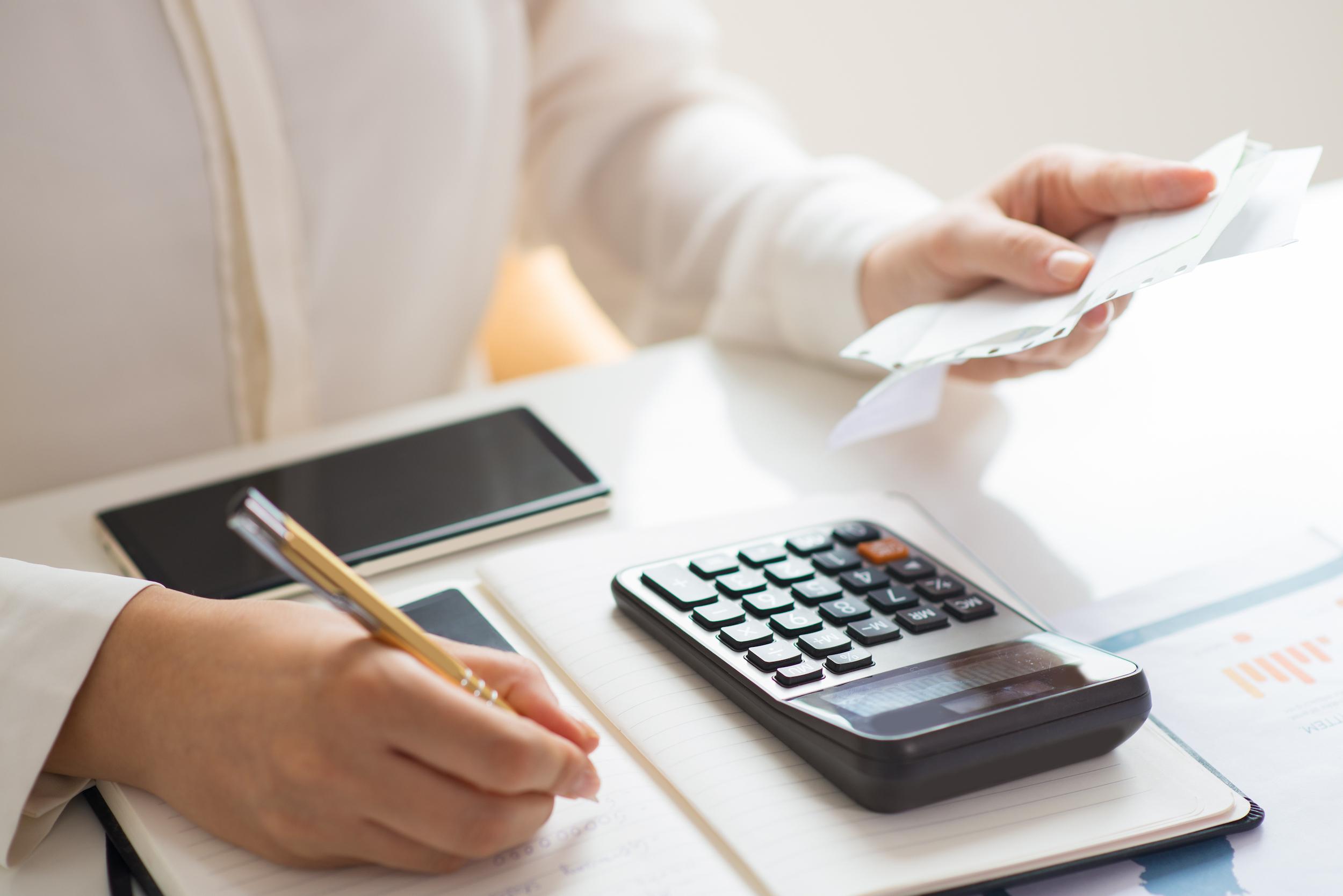 5 bước duy trì thói quen tiết kiệm sẽ giúp chị em thoát khỏi cảnh lĩnh lương chỉ để trả nợ - Ảnh 3.