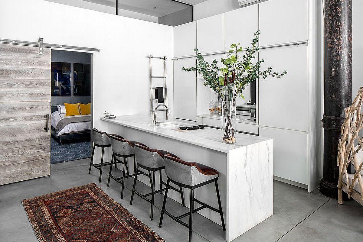 Những căn bếp nhỏ được thiết kế sáng tạo vừa đẹp vừa tiện dụng nhờ các giải pháp không ai ngờ tới - Ảnh 1.