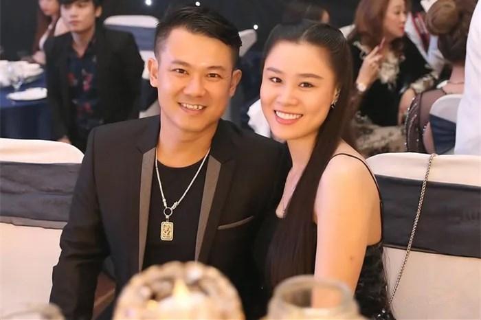 Bố ruột ca sĩ Vân Quang Long vẫn dự đám hỏi và phát biểu trong tiệc sinh nhật cháu gái dù tuyên bố không nhận người con dâu thứ 2? - Ảnh 4.
