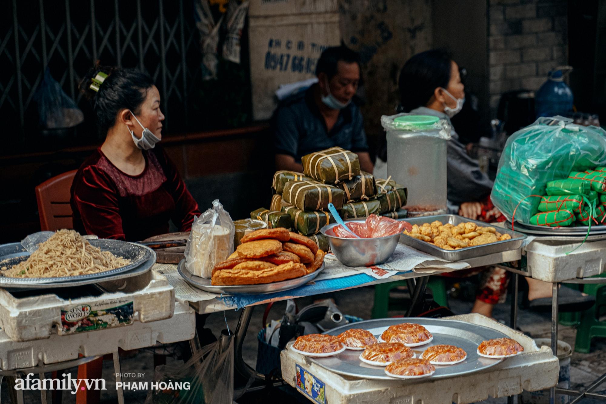 Ngày cuối năm bình yên trong ngõ chợ Thanh Hà - ngôi chợ lâu đời nhất phố cổ được giới nhà giàu chuộng mua vì toàn đồ chất lượng tươi ngon - Ảnh 10.