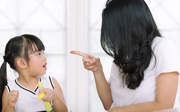 """Giấu chồng con, bà mẹ bí mật lắp camera ở nhà, nhìn cảnh tượng hằng ngày mà """"thót tim"""", ngay lập tức thay đổi cách giáo dục con - Ảnh 2."""