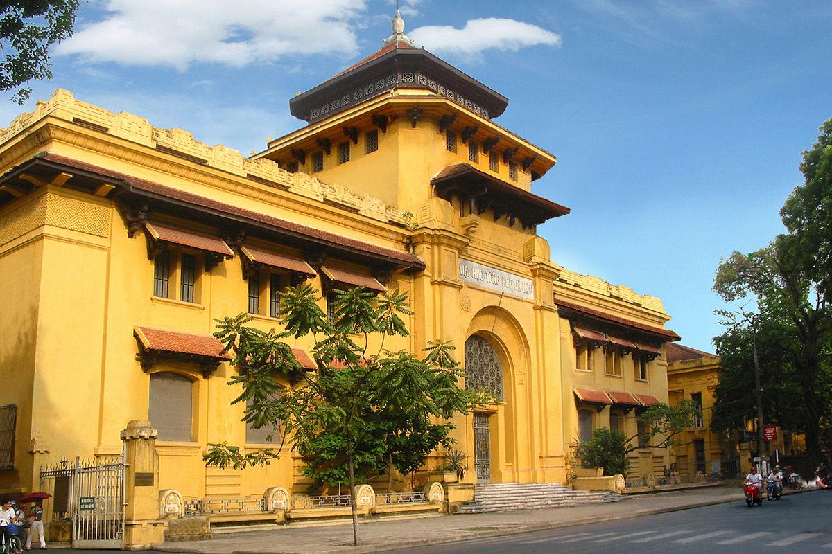 """Hà Nội có 1 trường đại học danh giá: Muốn thi đỗ phải học cực """"trâu bò"""", kiến trúc thì đẹp thôi rồi, chẳng khác nào lâu đài cổ - Ảnh 4."""