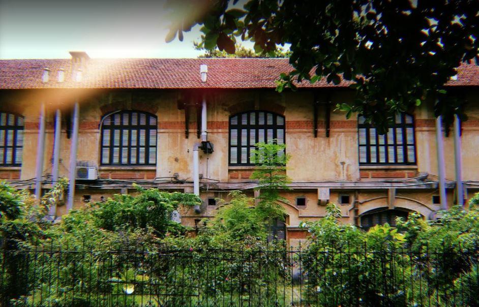"""Hà Nội có 1 trường đại học danh giá: Muốn thi đỗ phải học cực """"trâu bò"""", kiến trúc thì đẹp thôi rồi, chẳng khác nào lâu đài cổ - Ảnh 16."""