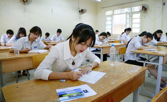 Học sinh lớp 9 luyện thi từ 5h30 sáng, ngày học 4 ca: