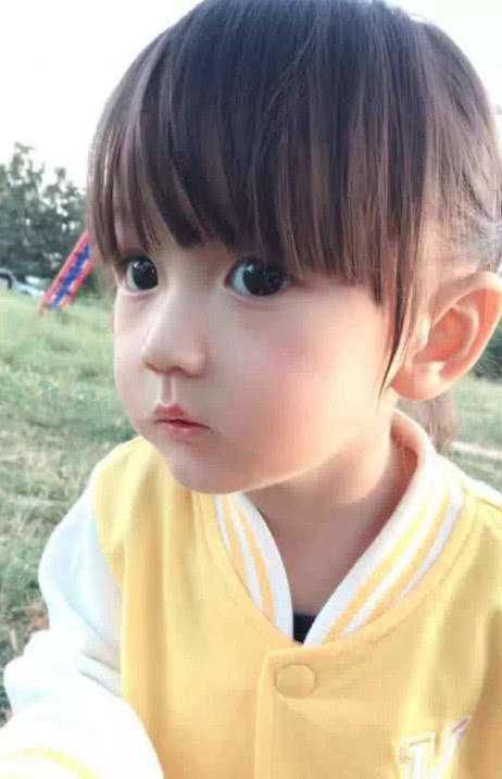 Em bé xinh đẹp bị nghi ngờ là... búp bế, người mẹ không còn cách nào khác ngoài việc đăng ảnh gia đình để chứng minh nhan sắc - Ảnh 8.