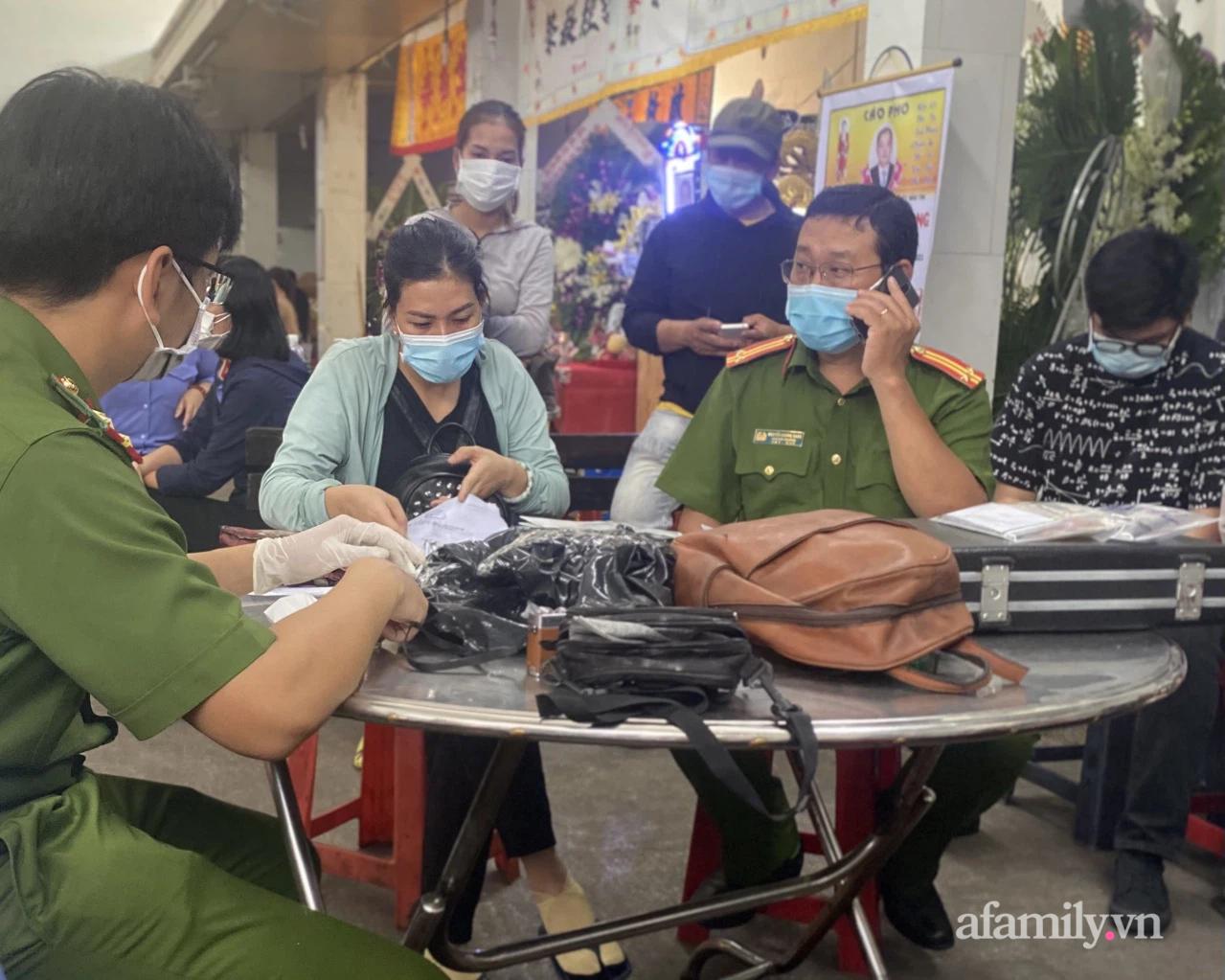 Danh tính nữ nạn nhân tử vong thứ 8 trong vụ cháy nhà đường Lạc Long Quân ở TP.HCM, người thân bàng hoàng - Ảnh 6.