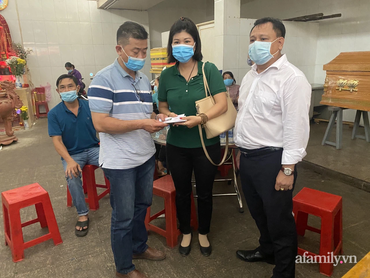 Danh tính nữ nạn nhân tử vong thứ 8 trong vụ cháy nhà đường Lạc Long Quân ở TP.HCM, người thân bàng hoàng - Ảnh 3.