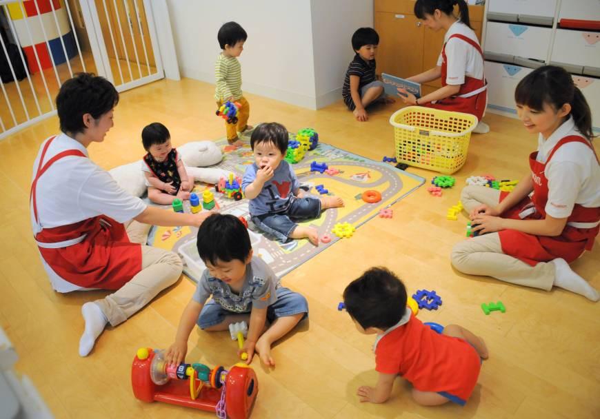 """Hành động giữa trưa của cô giáo mầm non khiến mẹ Hà Nội """"lịm tim"""", mừng thầm vì cuối cùng cũng chọn đúng trường - Ảnh 2."""