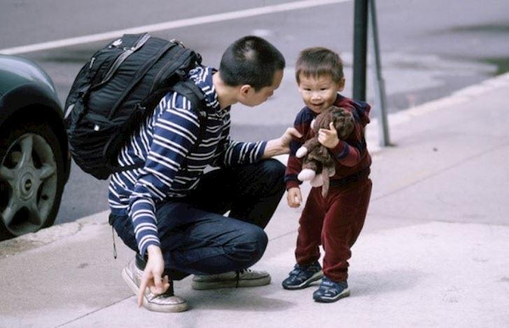 Con trai quá nghịch ngợm, mẹ gọi điện cho cô giáo nói 1 câu khiến cậu bé sợ xanh mặt, cư dân mạng vội chỉ ra cách làm của người mẹ thực chất là tai hại - Ảnh 2.