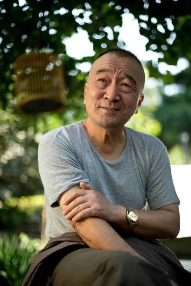 """Hai lần đối xử """"tuyệt tình"""" với con trai độc nhất khiến """"Tể tướng Lưu gù"""" trở thành người cha hà khắc nhất Cbiz - Ảnh 2."""