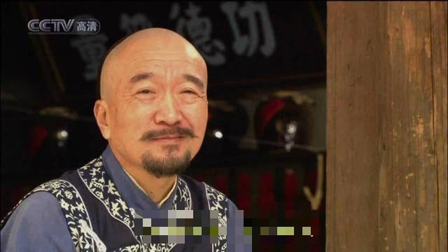 """Hai lần đối xử """"tuyệt tình"""" với con trai độc nhất khiến """"Tể tướng Lưu gù"""" trở thành người cha hà khắc nhất Cbiz - Ảnh 1."""