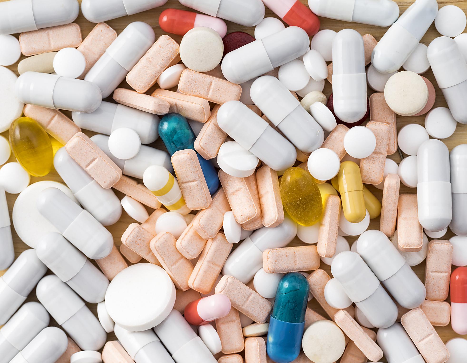 Bát nháo nghệ sĩ quảng cáo thuốc và thực phẩm chức năng, người dân phải xem lại cách chữa bệnh kiểu mạo hiểm này! - Ảnh 4.