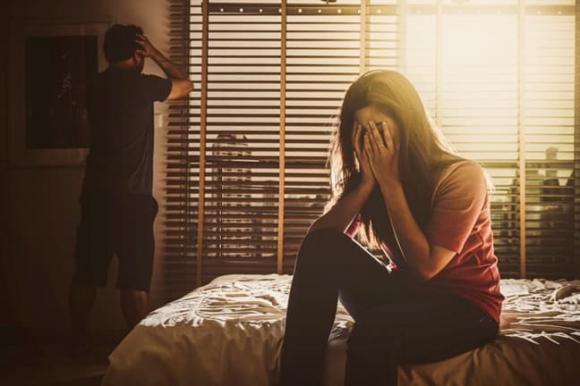 Mới sáng ra đã thấy người đàn ông lạ trong nhà, tôi càng thêm phần bàng hoàng vì thái độ của bố mẹ - Ảnh 1.