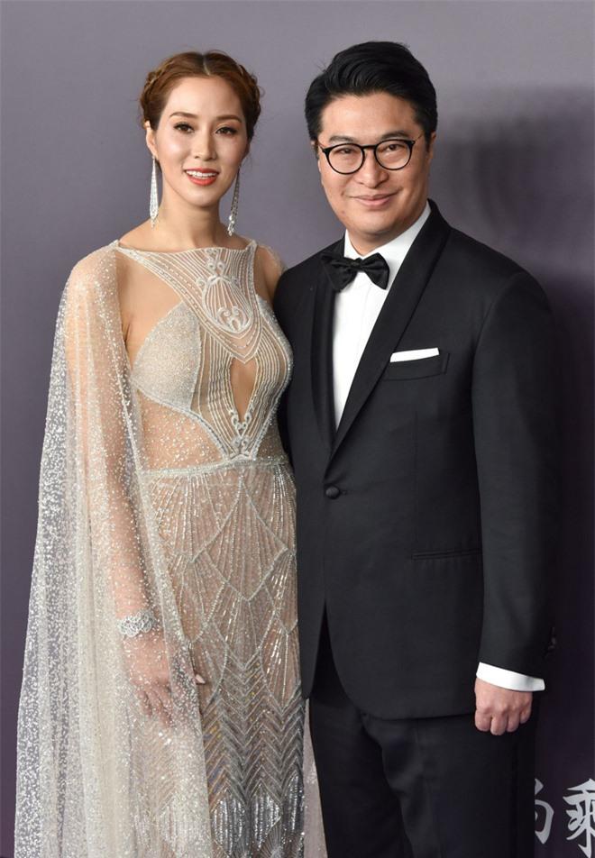 """""""Nước cờ sai lầm"""" khiến người vợ hoa hậu của tỷ phú giàu nhất Hong Kong bị đẩy ra đường, 30 năm sau quay về phải """"ngả mũ"""" trước con dâu! - Ảnh 5."""
