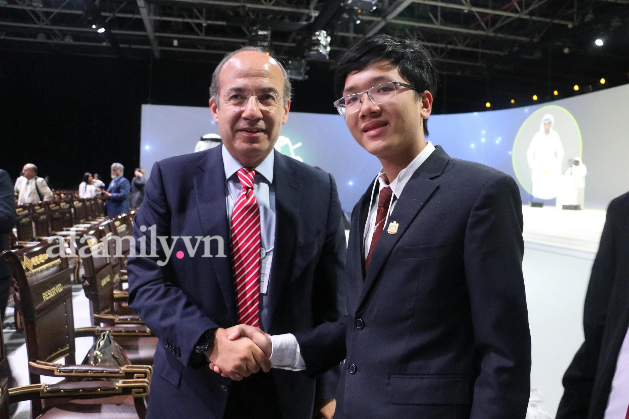 Nam sinh TP.HCM nhận học bổng gần 8 tỷ của ĐH New York, là đại biểu Liên Hợp Quốc: Tiết lộ cuộc nói chuyện 30 phút với ông Ban ki-moon - Ảnh 4.