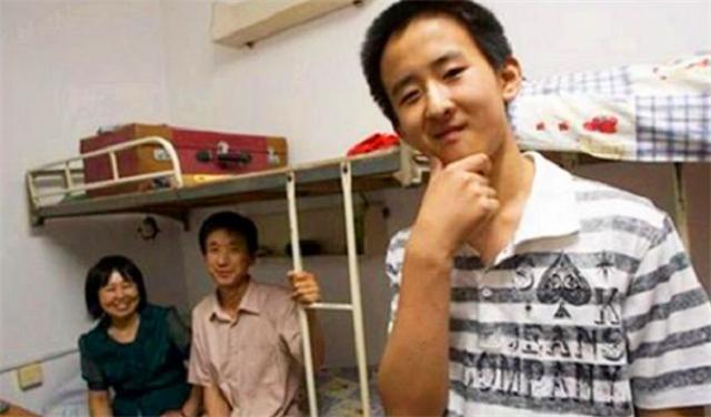 Thần đồng 11 tuổi đã đỗ đại học, bị chỉ trích bất hiếu vì đòi cha mẹ mua nhà ở thủ đô, ai ngờ 8 năm sau ai cũng phải thán phục - Ảnh 4.