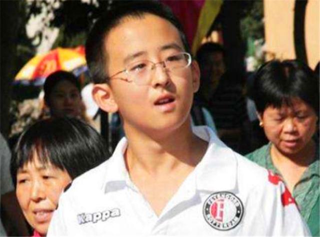 Thần đồng 11 tuổi đã đỗ đại học, bị chỉ trích bất hiếu vì đòi cha mẹ mua nhà ở thủ đô, ai ngờ 8 năm sau ai cũng phải thán phục - Ảnh 2.