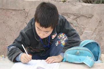 Con trai mè nheo cả ngày, bà mẹ bắt ký 1 tờ hiệp ước với nội dung đến chuyên gia giáo dục cũng phải khen nức nở