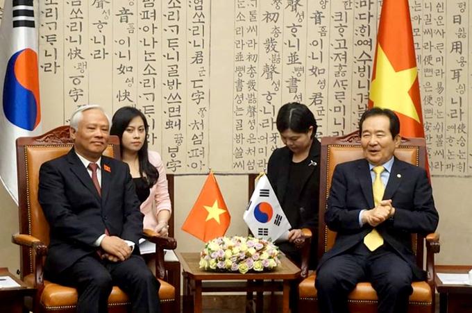 Cô gái Việt trở thành Công dân danh dự Seoul nhờ tiếng Hàn siêu đỉnh, vừa phiên dịch cho Samsung - LG vừa làm MC cho đài truyền hình nổi tiếng - Ảnh 4.
