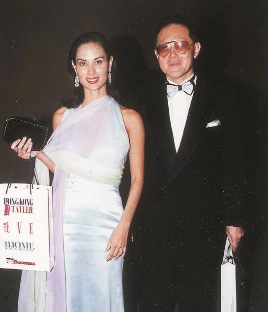 """Từng qua đêm cùng 10 nghìn mỹ nữ, tỷ phú Hong Kong làm điều """"có 1-0-2"""" với người phụ nữ gốc Việt kém 32 tuổi và màn xử lý thẳng tay khi đại gia """"lệch sóng"""" - Ảnh 6."""