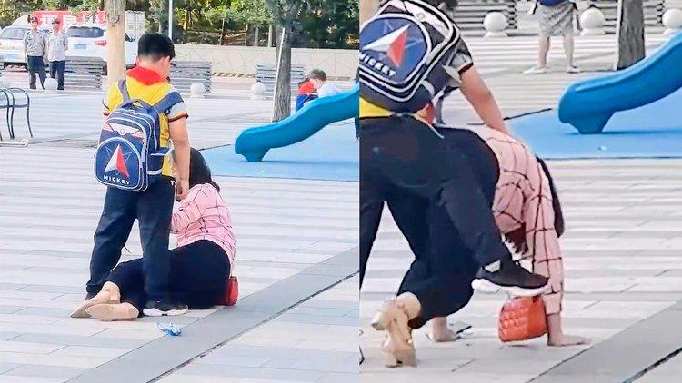 Học sinh tiểu học đánh mẹ giữa phố, 3 bảo vệ đến ngăn cản còn bị đứa trẻ quát mắng, đoạn phim khiến ai cũng lắc đầu ngán ngẩm - Ảnh 4.