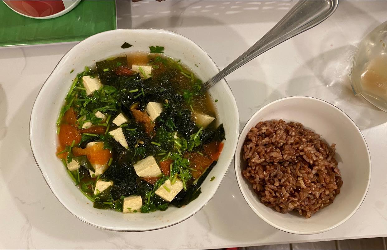 Võ Hạ Trâm khoe giảm gần 11kg sau sinh, thực đơn ăn uống khiến nhiều người bất ngờ - Ảnh 11.