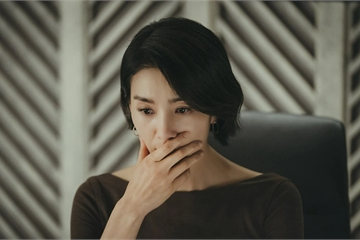 Nhìn anh trai thẫn thờ hỏi bao giờ chị dâu đi công tác về, tôi quặn thắt tim gan mà không thể nói ra sự thật