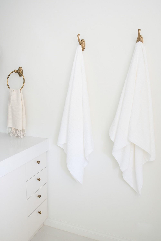 Cận cảnh 3 thiết kế phòng tắm được hồi sinh theo phong cách Tây Ban Nha thập niên 1930 nhờ các vật liệu công nghiệp - Ảnh 10.