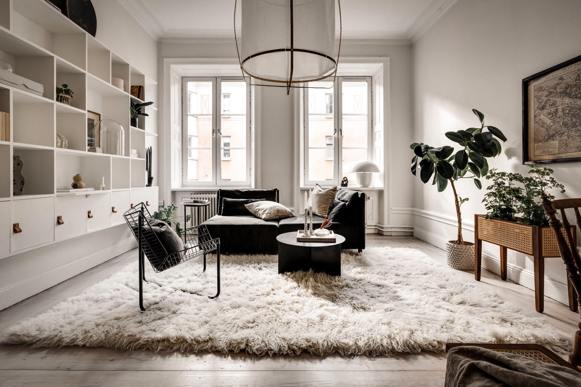 Bài trí nội thất tưởng đơn giản, ít ỏi, căn hộ nhỏ 44m2 ở Nga vẫn hiện lên vô cùng lộng lẫy - Ảnh 2.