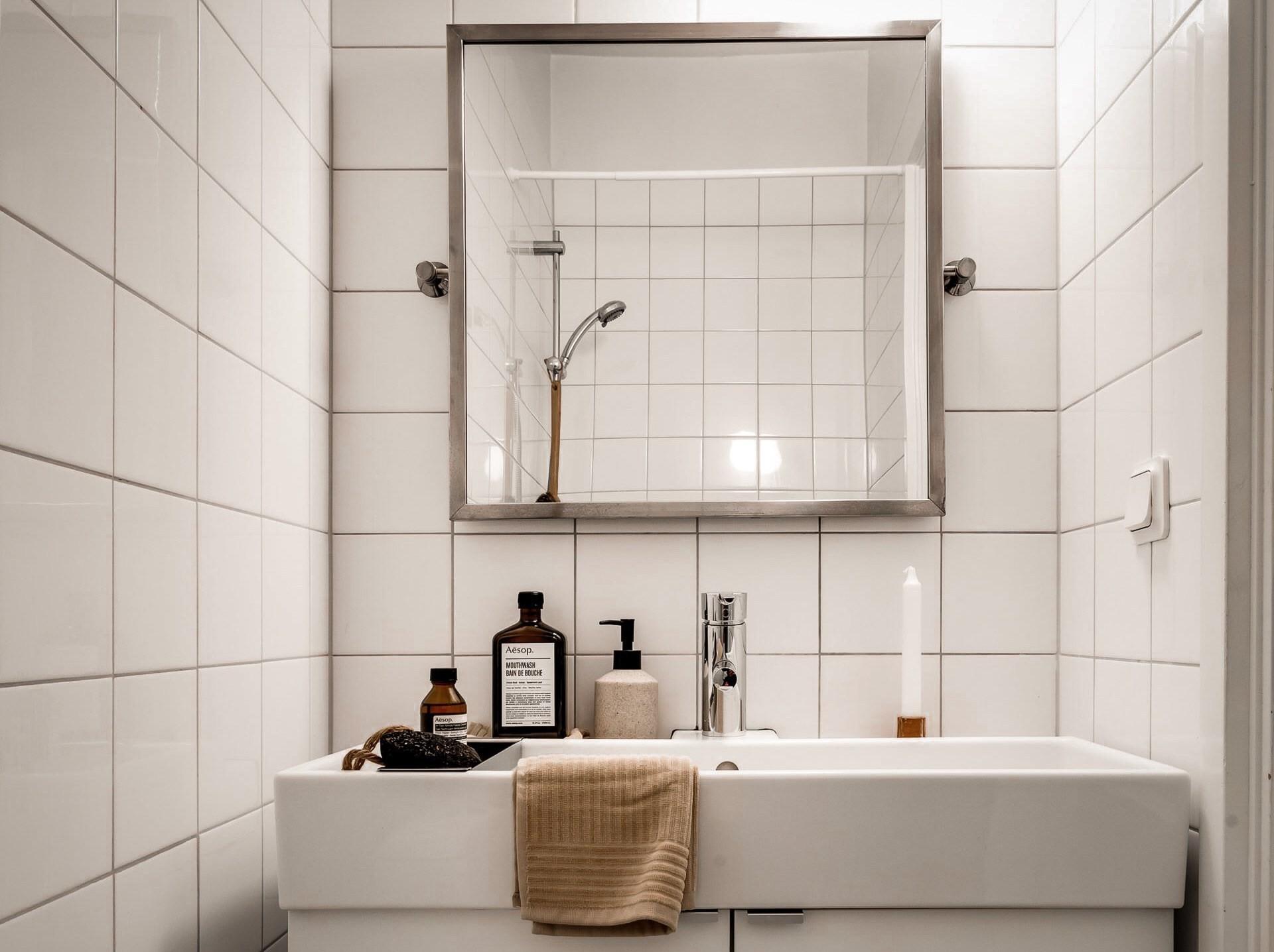 Bài trí nội thất tưởng đơn giản, ít ỏi, căn hộ nhỏ 44m2 ở Nga vẫn hiện lên vô cùng lộng lẫy - Ảnh 21.