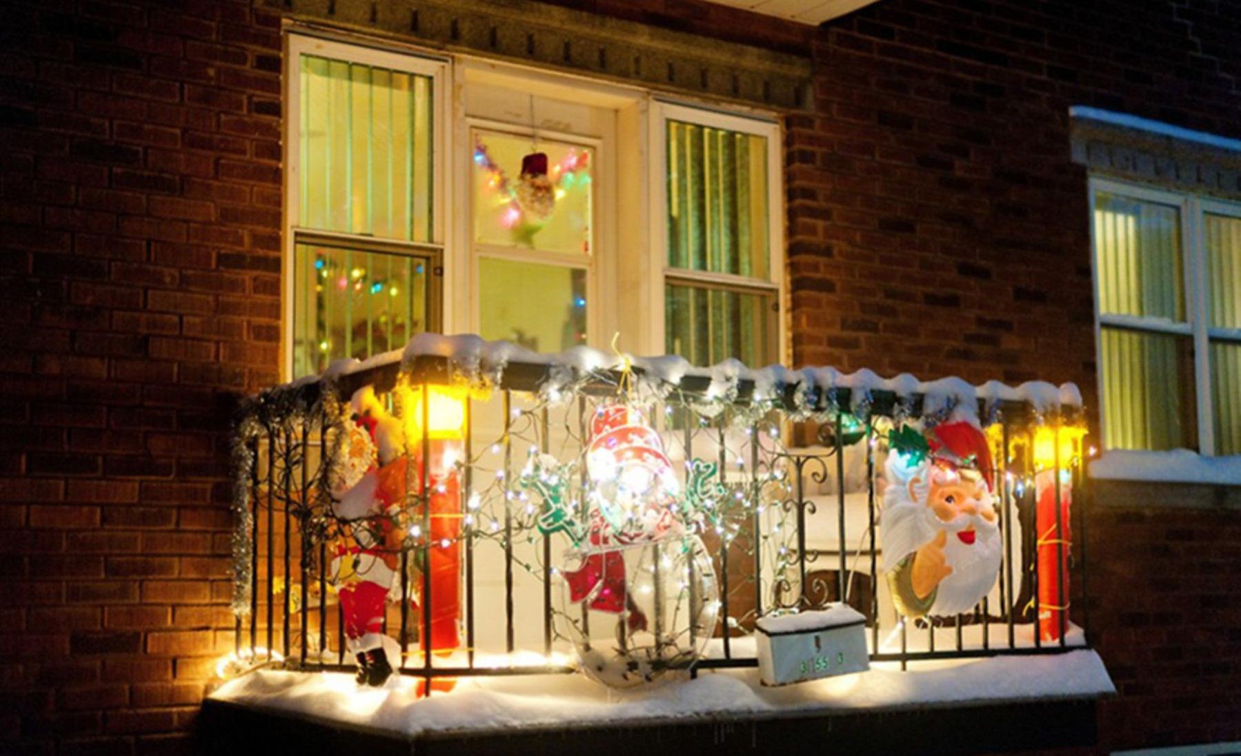 27 ý tưởng trang trí ban công dịp Giáng sinh cực đáng yêu cho mỗi gia đình - Ảnh 17.