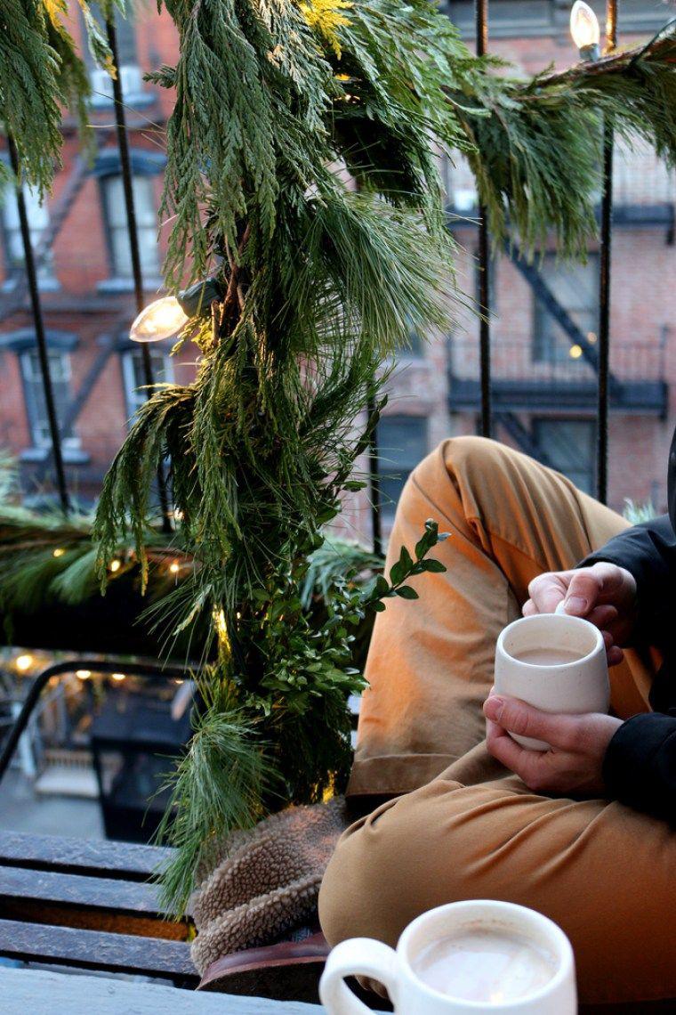 27 ý tưởng trang trí ban công dịp Giáng sinh cực đáng yêu cho mỗi gia đình - Ảnh 16.