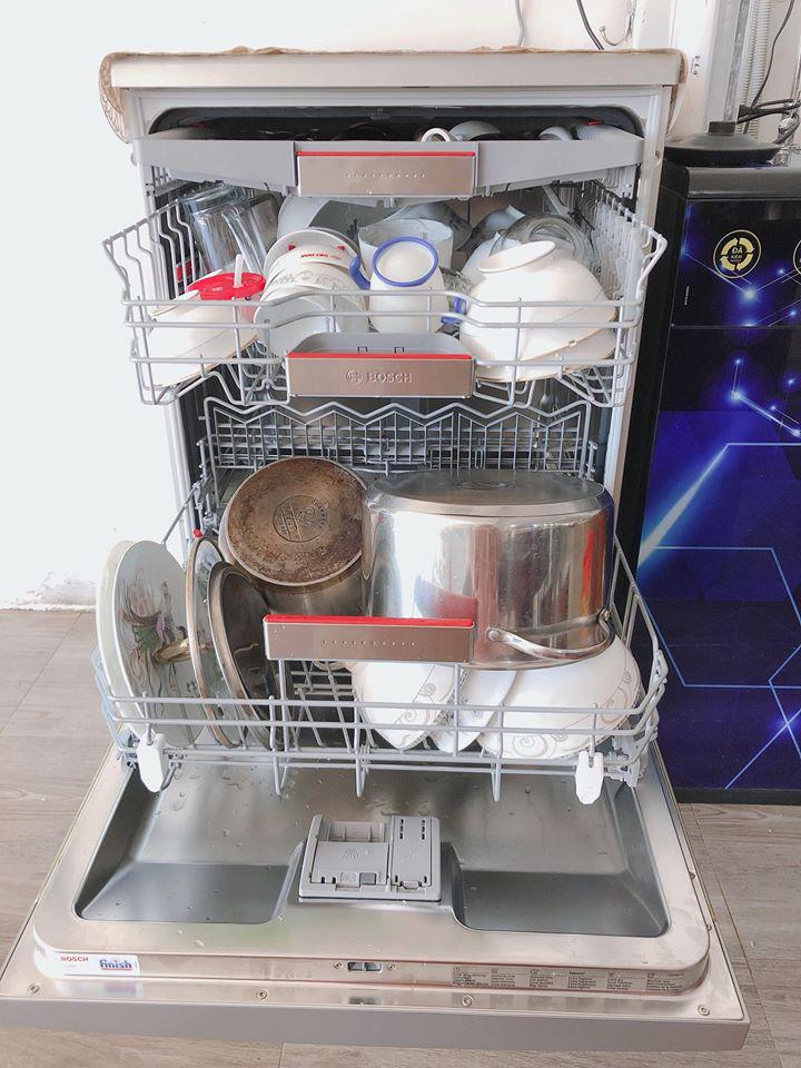 Bí quyết giúp các chị em sử dụng máy rửa bát vừa sạch mà hóa đơn chi phí và tiền điện nước hàng tháng như không - Ảnh 5.