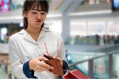 5 bước duy trì thói quen tiết kiệm sẽ giúp chị em thoát khỏi cảnh lĩnh lương chỉ để trả nợ