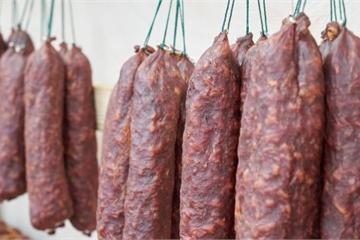Loại thịt có khả năng gây ung thư cao bậc nhất được WHO cảnh báo, nhiều người vẫn ăn vì là món khoái khẩu