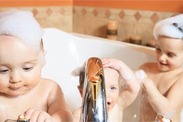 Dùng đèn sưởi nhà tắm vào ngày rét đậm: Chuyên gia khuyến cáo 4 điều sống còn