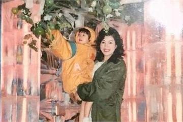 Mao Hiểu Đồng bị bố vứt vào sọt rác khi còn đỏ hỏn, mẹ nhặt lại một mình nuôi dạy, cái kết 30 năm sau quá đỗi bất ngờ