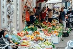 Ngày cuối năm bình yên trong ngõ chợ Thanh Hà - ngôi chợ lâu đời nhất phố cổ được giới nhà giàu chuộng mua vì toàn đồ chất lượng tươi ngon