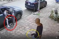 Xả rác từ ô tô xuống đường, nam thanh niên bị người đàn ông cầm dao 'nhắc nhở'