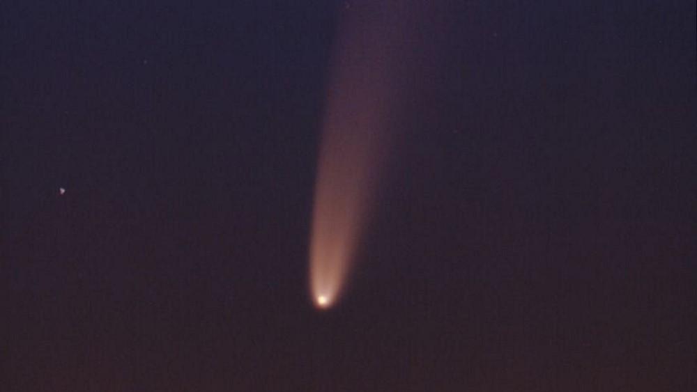 Sao chổi sáng nhất 23 năm thống trị màn đêm thế giới - 3