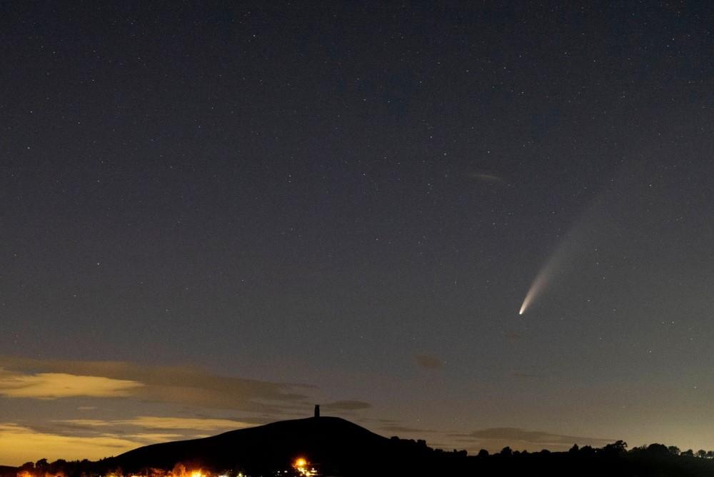 Sao chổi sáng nhất 23 năm thống trị màn đêm thế giới - 11