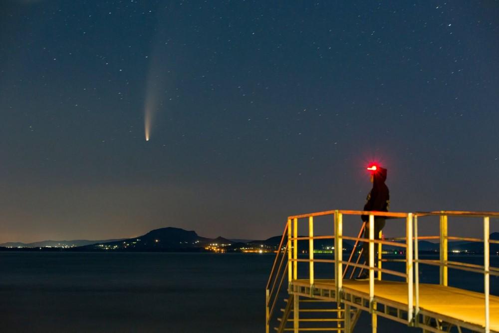 Sao chổi sáng nhất 23 năm thống trị màn đêm thế giới - 19