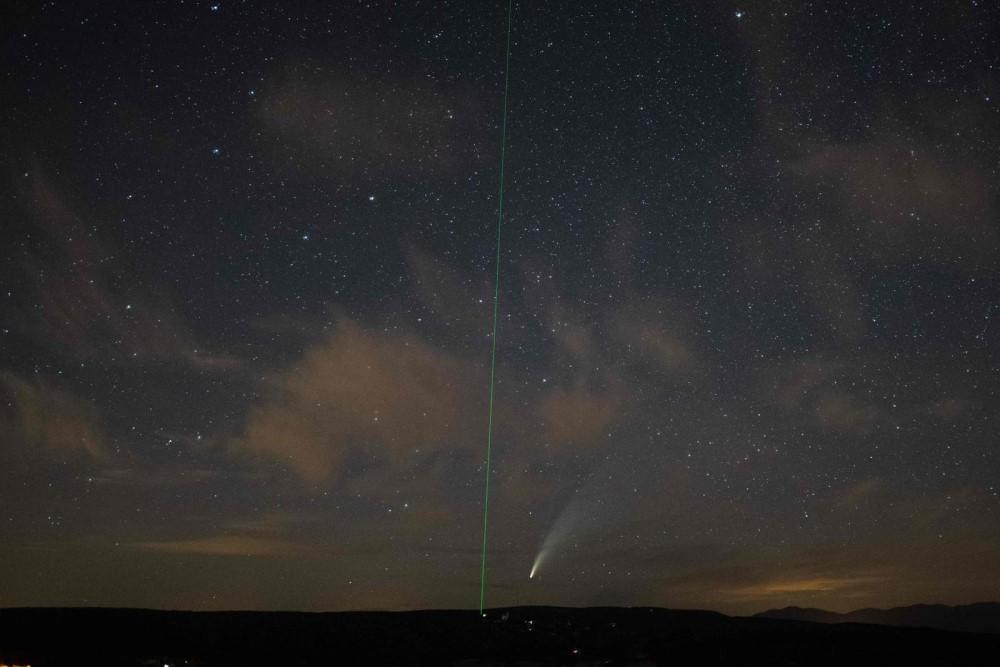 Sao chổi sáng nhất 23 năm thống trị màn đêm thế giới - 20