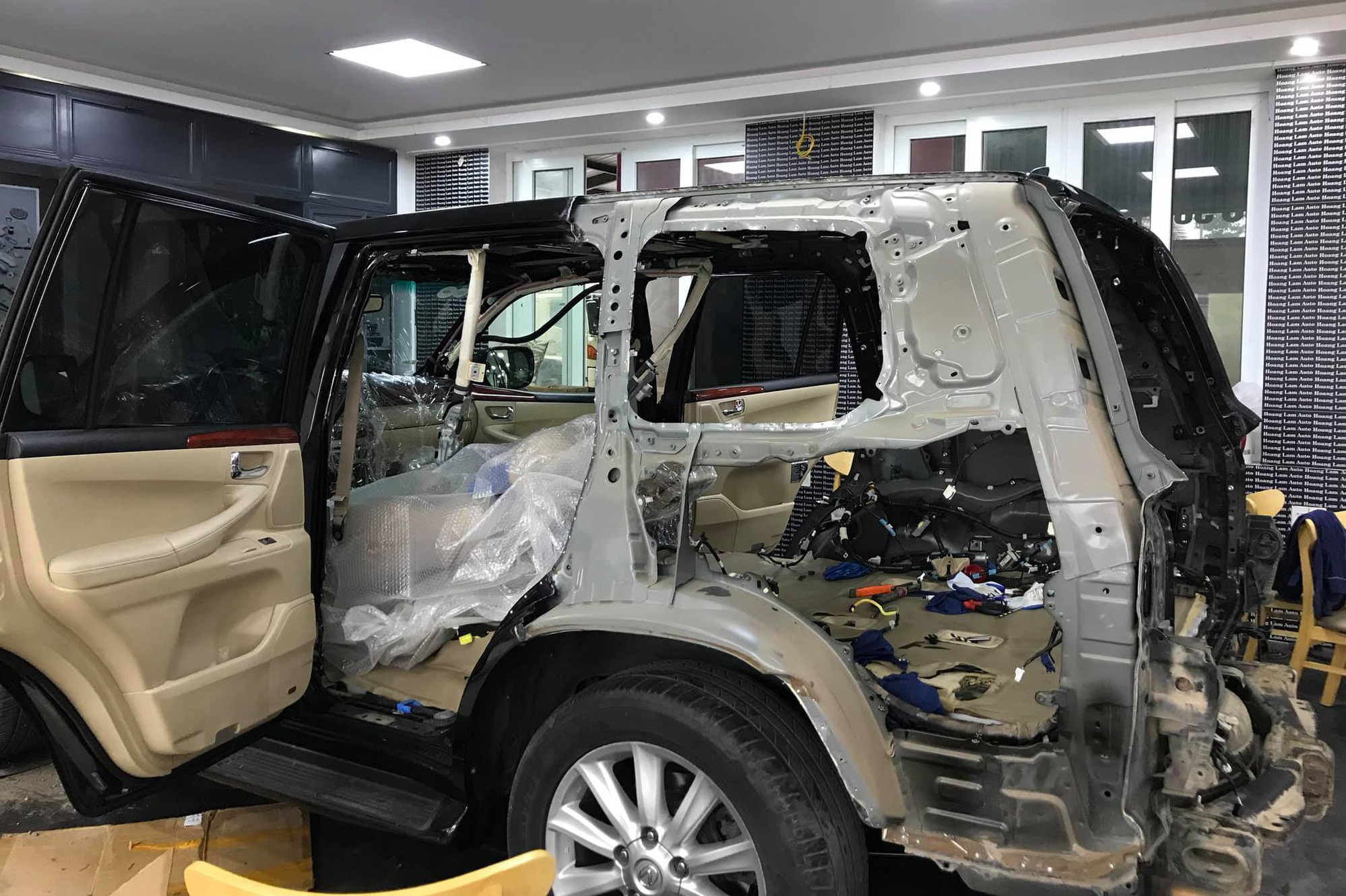 15 ngày lột xác Lexus LX570 2008 thành 2018 với 450 triệu đồng của dân chơi Việt - Ảnh 8.