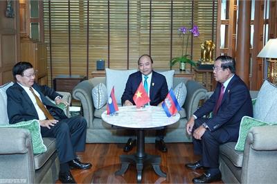 Thủ tướng gặp các nhà lãnh đạo Lào, Campuchia, Philippines