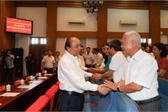 Hình ảnh Thủ tướng tiếp xúc cử tri, báo cáo kết quả kỳ họp Quốc hội